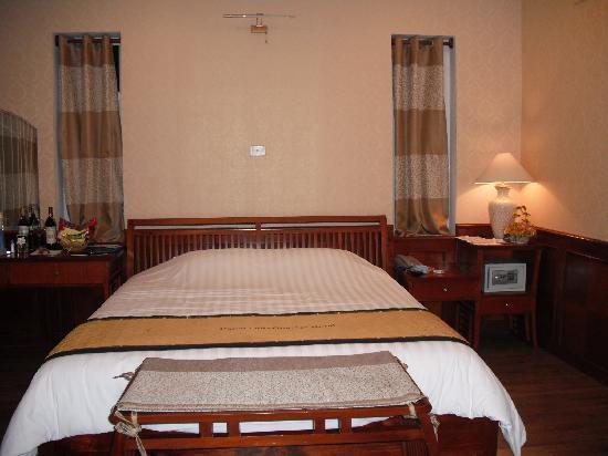 โรงแรมฮานายโอลด์ควอเตอร์: Room looked old and this is the best in house!