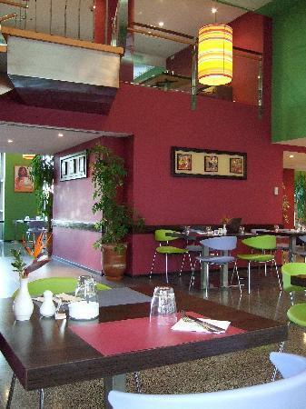 Ibis Casa Sidi Maarouf: Frühstück rauchen verboten / Abend erlaubt