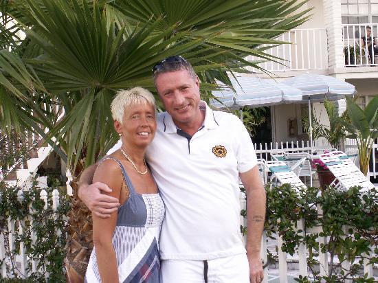 ساندز بوينت موتل: Me and the wife