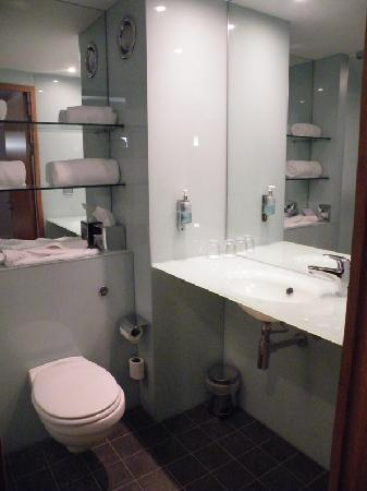 Functional Bathroom small but functional bathroom - picture of ibis styles birmingham