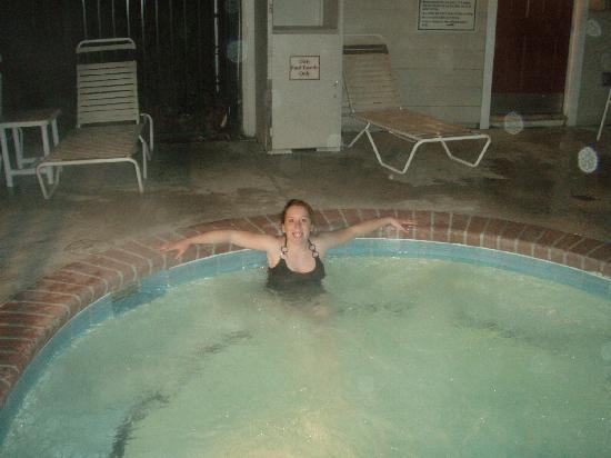 Studio 6 Greensboro: enjoying the spa