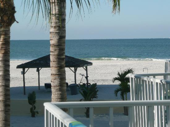 Coquina On The Beach: View from balcony of poolside room