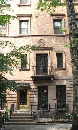 Harlem Renaissance House B&B: street view
