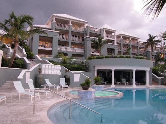 Paget Parish, Bermuda: Newstead Belmont Hills from the pool