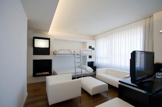 Axor Barajas Hotel: Camas Literas Habitacion Familiar