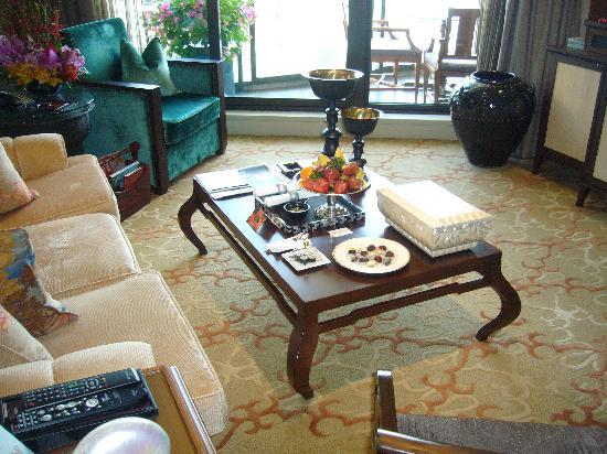 Mandarin Oriental, Bangkok: Sitting room in daylight