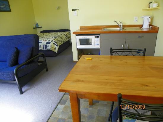 Sails Motel: mini cocina