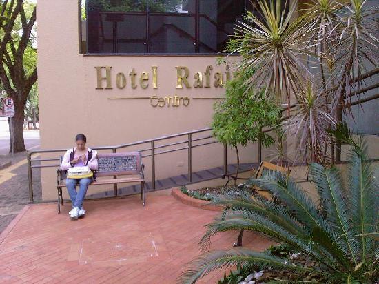هوتل رافاين سنترو: Acceso al hotel