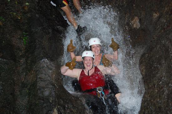 Desafio Adventure Company: Canyoneering