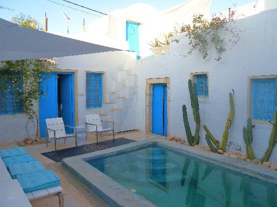 Erriadh, Τυνησία: central courtyard