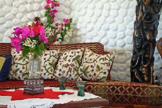 Villa Annchen: Luxurious furnishing and African artefacts