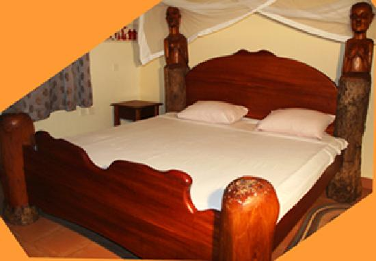 Villa Annchen: Handmade African king size beds in all guest rooms