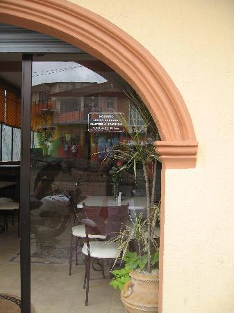 Pizzeria Italiana Pacciarino: italian style decor