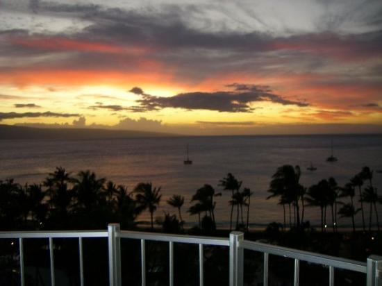 Marriott's Maui Ocean Club  - Lahaina & Napili Towers : another gorgeous sunset