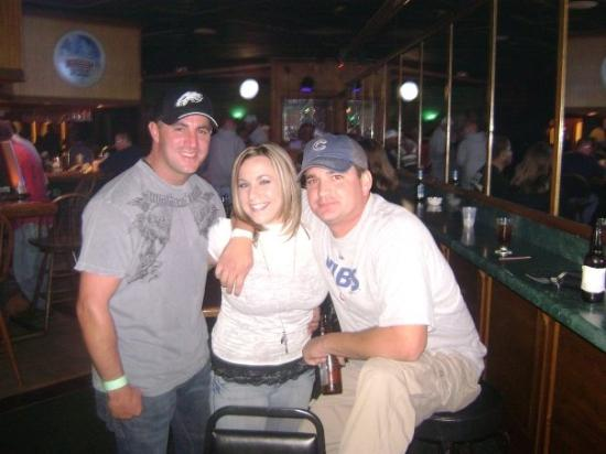 Madisonville, KY: Joe, Jocko, and me @ Bully's - the ONLY bar in town...FUN none-the-less.