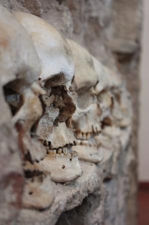 Nis, Serbia: Skull Tower - Cele Kula