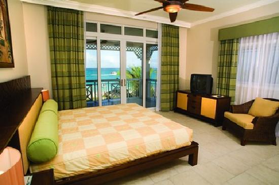 Alexandra Resort: our bedroom