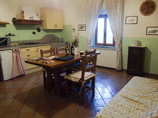 Agriturismo Poggio ai Cieli: the main kitchen/living area