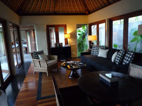 Kayumanis Nusa Dua Private Villa & Spa : Le living room
