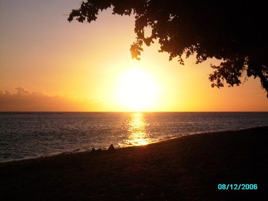 Emboodhu Finolhu: Las puestas de sol mas bonitas que he visto en mi vida