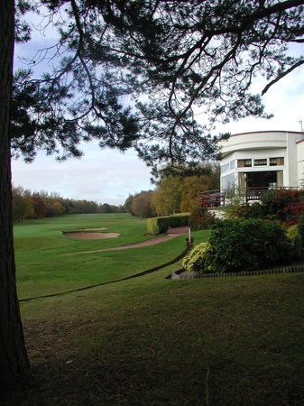 Scarcroft Golf Club: Clubhouse and 18th fairway