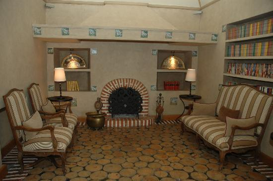 Hotel & Spa La Salve: Chimenea