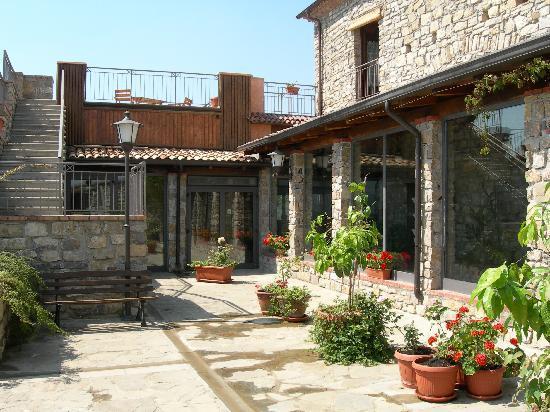 Trivigno, Olaszország: cortile interno