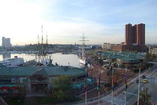 Renaissance Baltimore Harborplace Hotel: View from room on 7th floor