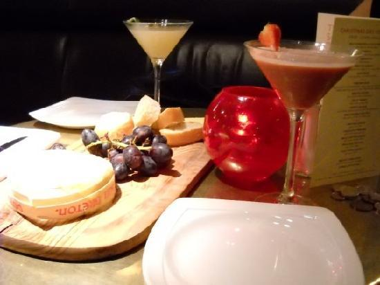 Browns Brasserie & Bar: The Camembert and cocktails