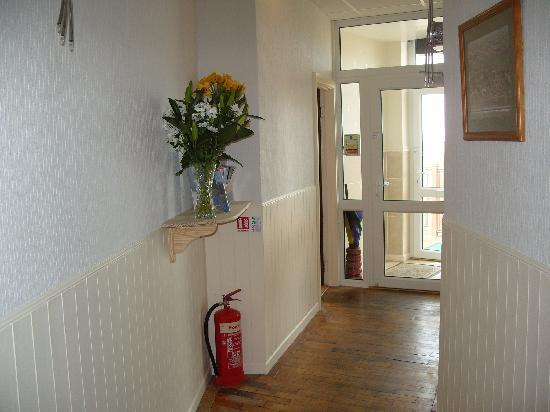 Cliff Head Hotel: hallway