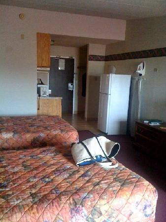 GuestHouse Inn & Suites Rochester: A suite!