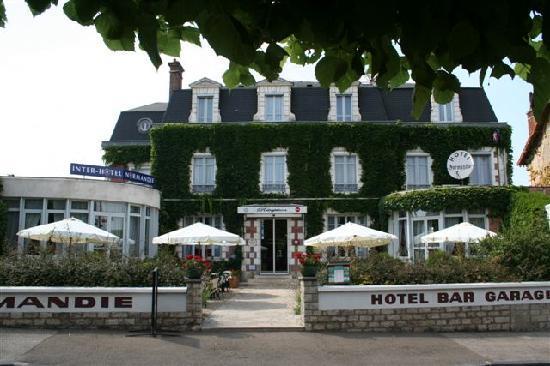 Hotel Normandie Auxerre : facade de l hotel
