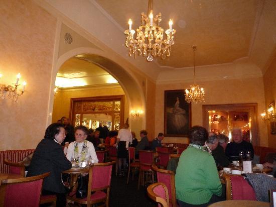 Konditorei Zauner: Zauner, one of the rooms