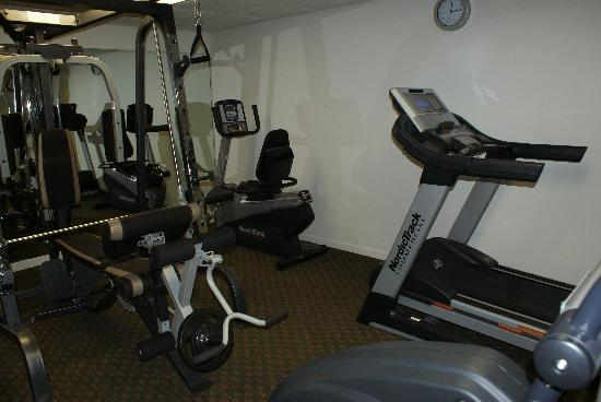 Americas Best Value Inn: Fitness Room