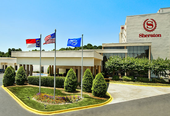 Sheraton Charlotte Airport Hotel: Exterior - Main Entrance