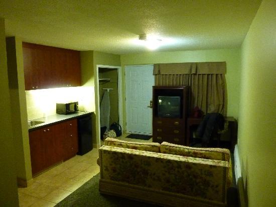 Canadas Best Value Inn-Burlington/Hamilton: Room