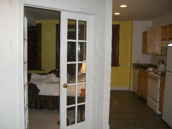 Ivy Mansion at Dupont Circle : looking into the bedroom, lower level apartment