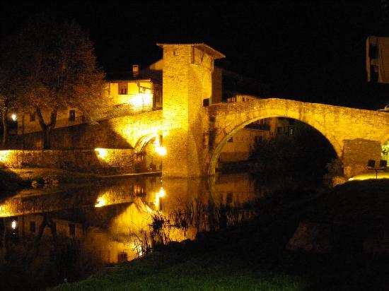 Hotel Convento San Roque: Balmaseda By Night