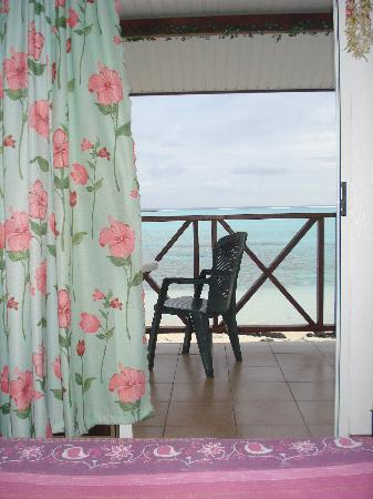 Chez Robert et Tina : view from the room on the lagoon