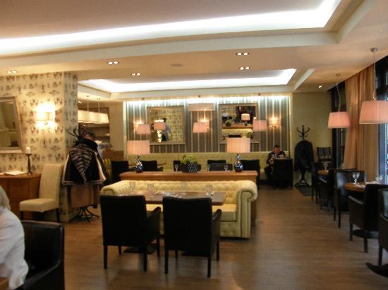 Arbat House Hotel: Restaurant