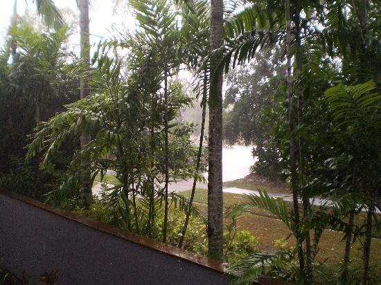 Bay Villas Resort: A beautiful Rainy morning from the balcony