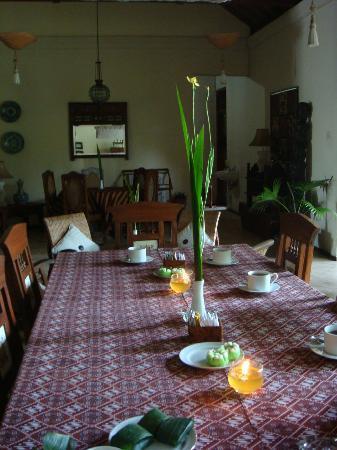 Rumah Mertua: restaurant