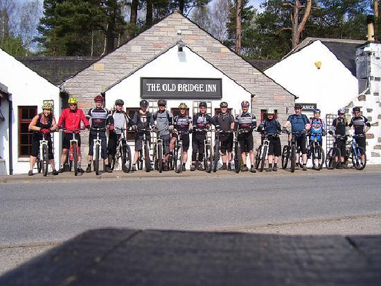 Aviemore Bunkhouse: A bunch of us just heading out