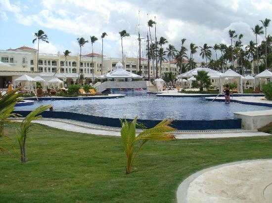 Iberostar Grand Hotel Bavaro: Relaxing pool