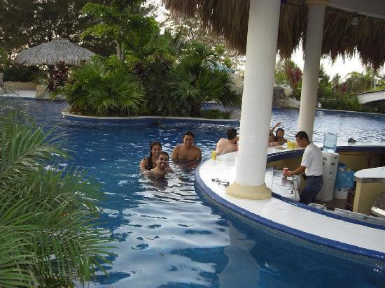 La Ensenada Beach Resort Convention Center Swim Up Bar