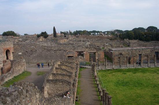 B&B La Bouganville : Pompeii Ruins near amphitheatre