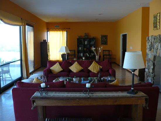 Hotel de Vino: Living Room