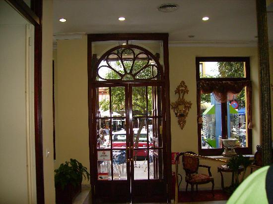 Hotel Puerta de Sevilla: Entrada del Hotel