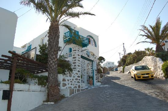 Nazos Hotel: The outside