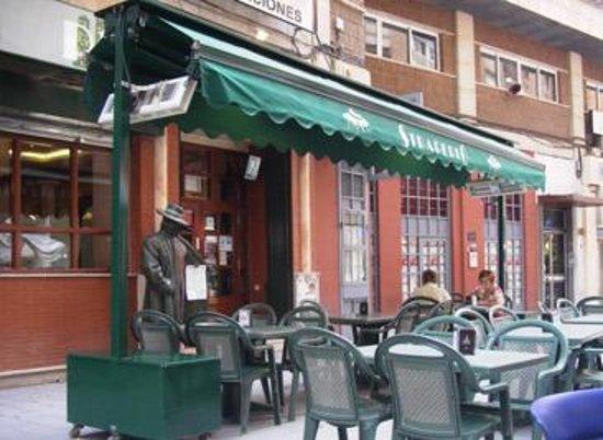 Straperlo Pizzeria Alfonso X: Eingang